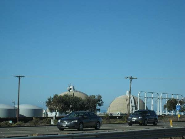 Nuclear power stations on the way to San  Diego - scary! © A Coster