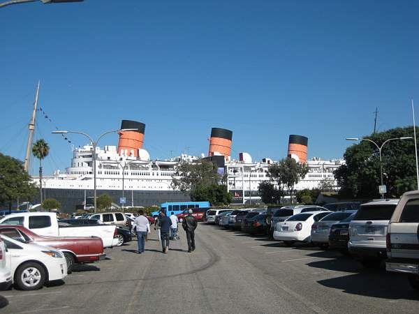 Queen Mary floating hotel © A Coster
