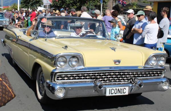1959 Ford Fairlane ©A Coster