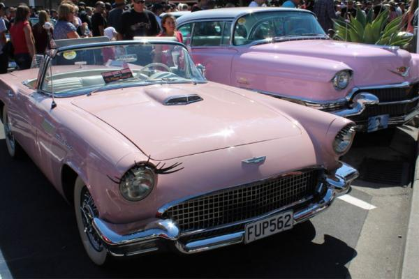 1957 Ford Thunderbird ©A Coster